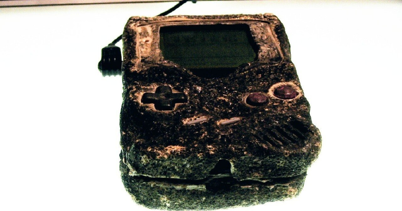Random: Someone 3D-Scanned The Game Boy That Survived The Gulf War